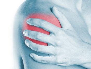 La lesione della cuffia dei rotatori è una lesione che provoca forte dolore alla spalla, arrivando ad impedirne il movimento.